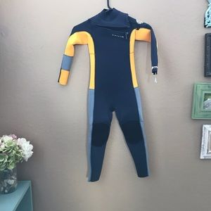 Brand New Rip Curl Wetsuit - Kids 6